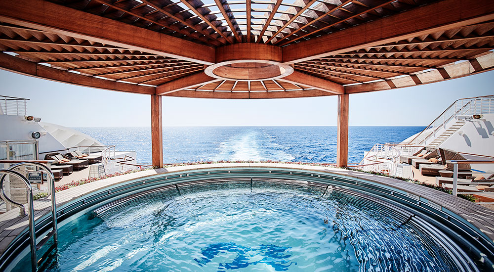 Pool View - Diamond Princess