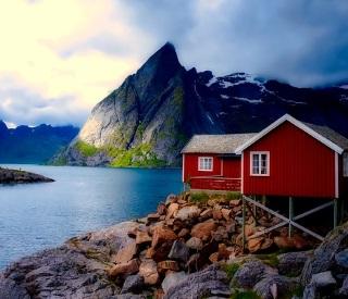 Fire, Ice & the Arctic Circle Grand Adventure