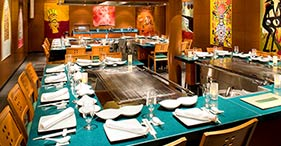 Norwegian Pearl cruise ship Teppanyaki with Asian food prepared right in front o