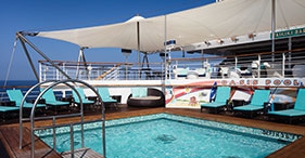Pride of America cruise ship Oasis Pool.
